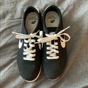 Women's size 7.5 Nike Cortez, only worn once!